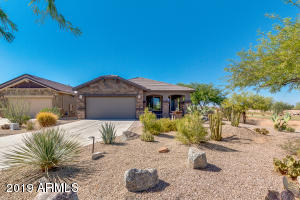 192 W SUMMIT Circle, San Tan Valley, AZ 85143