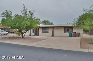 521 E MONTEBELLO Avenue, Apache Junction, AZ 85119