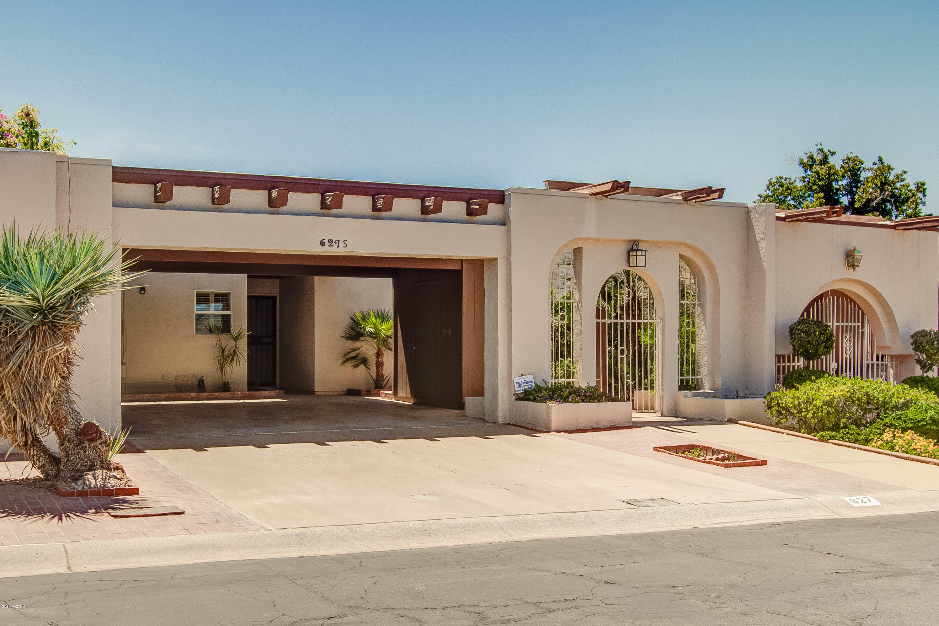 627 E ROYAL PALM Square, one of homes for sale in Phoenix North