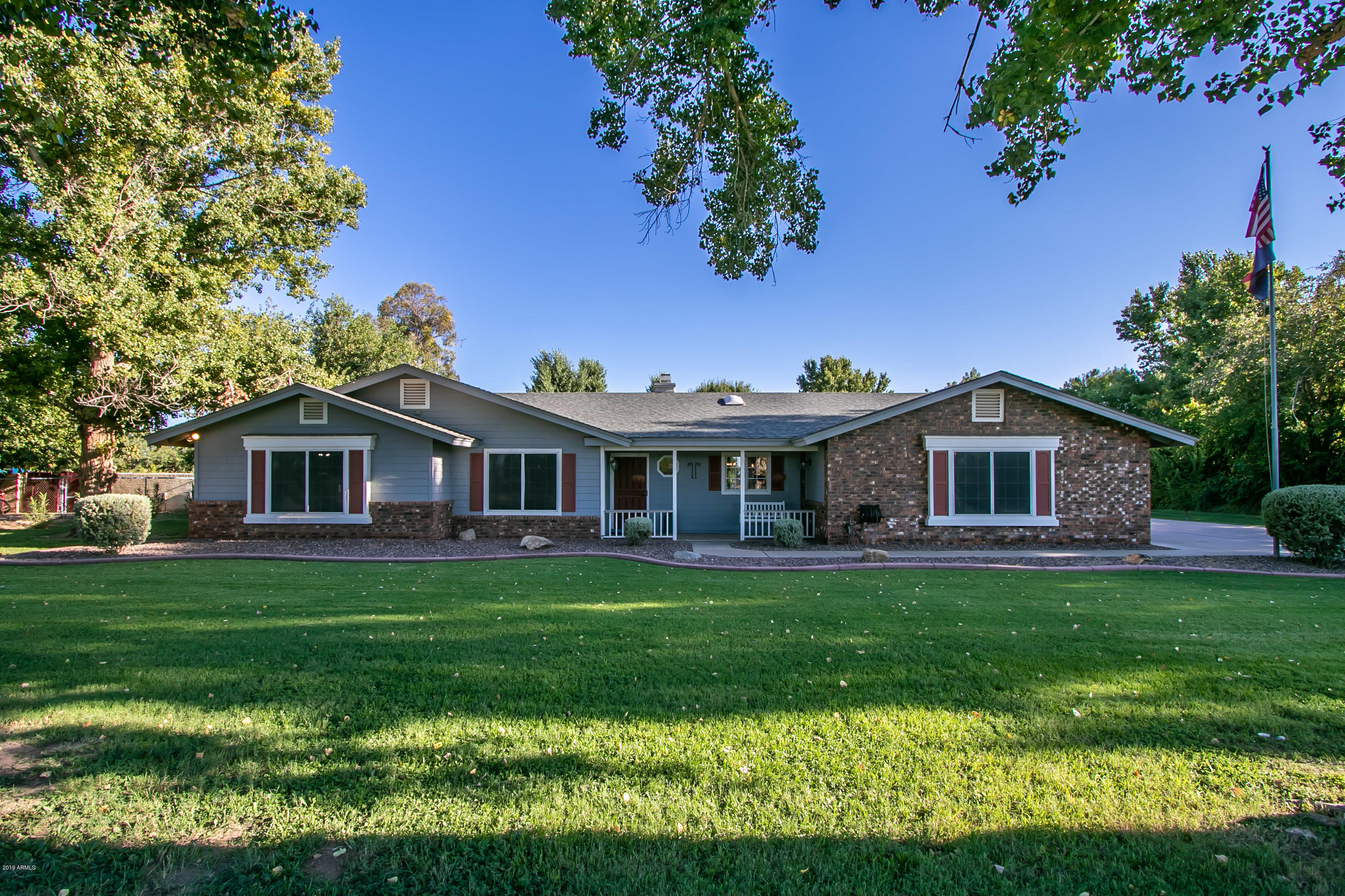 2263 E APPLEBY Road, Gilbert AZ 85298