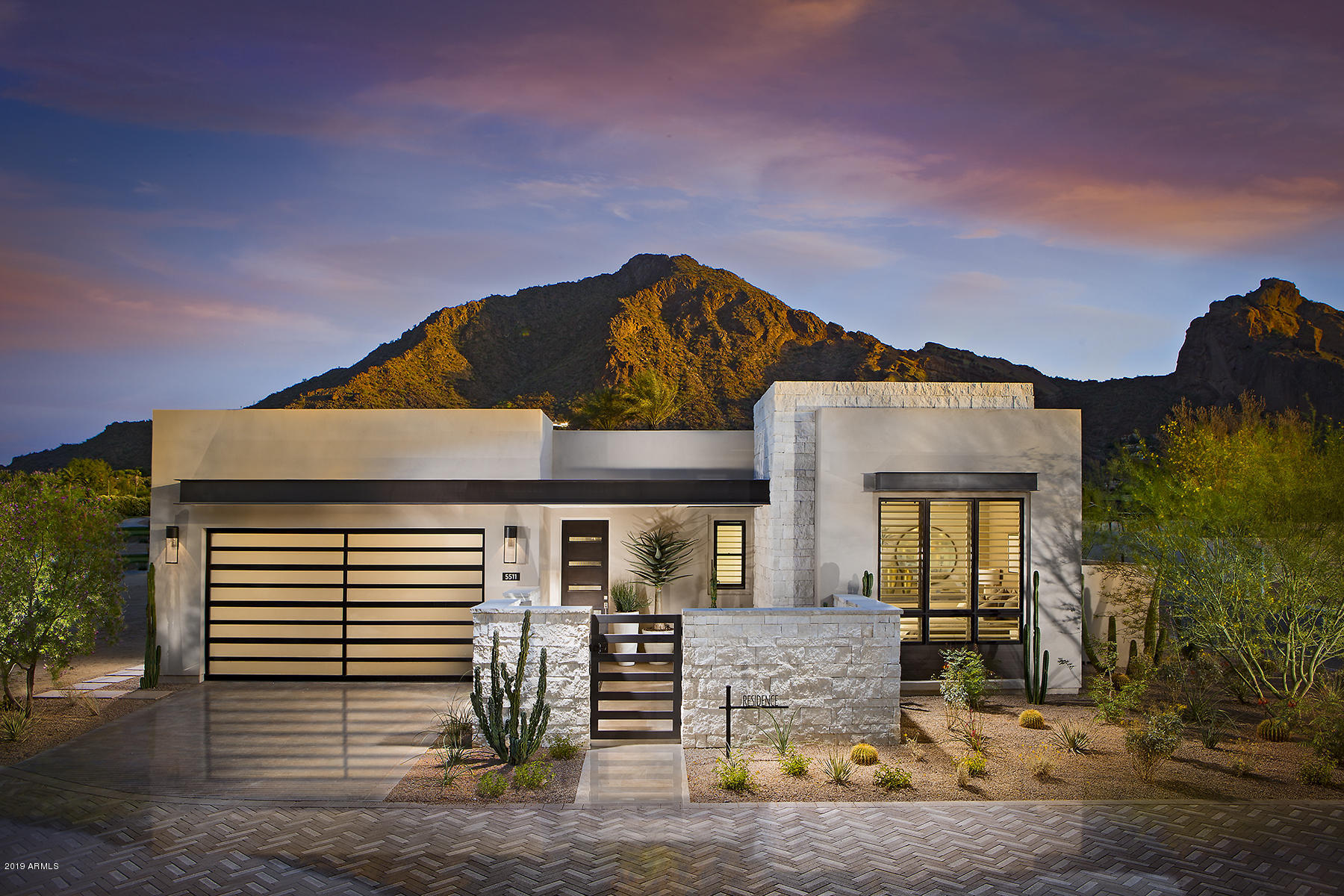 Photo of 6124 N LAS BRISAS Drive #3, Paradise Valley, AZ 85253