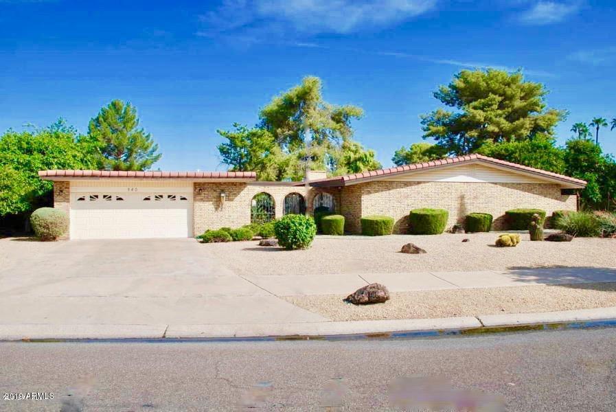 Photo of 940 N VILLA NUEVA Drive, Litchfield Park, AZ 85340