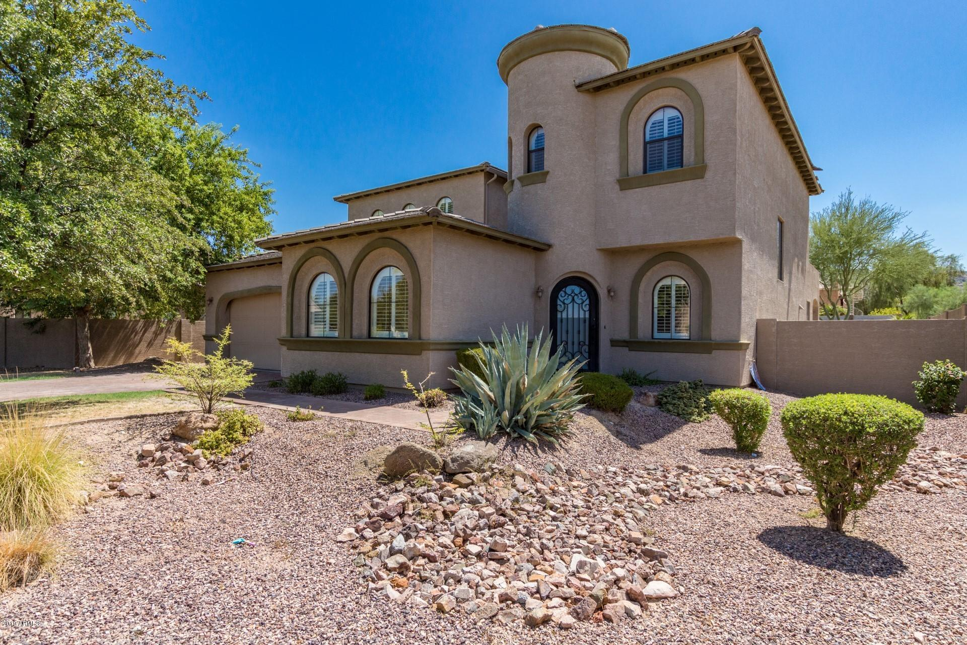 Photo of 3205 E BRANHAM Lane, Phoenix, AZ 85042