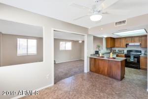11852 N 74TH Avenue, Peoria, AZ 85345