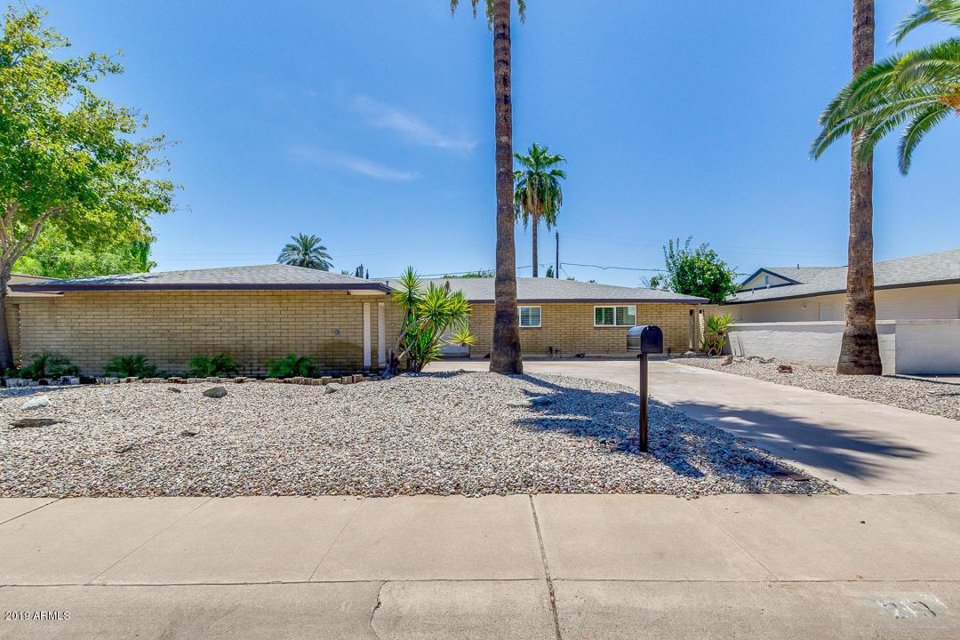 Photo of 213 E EL CAMINITO Drive, Phoenix, AZ 85020