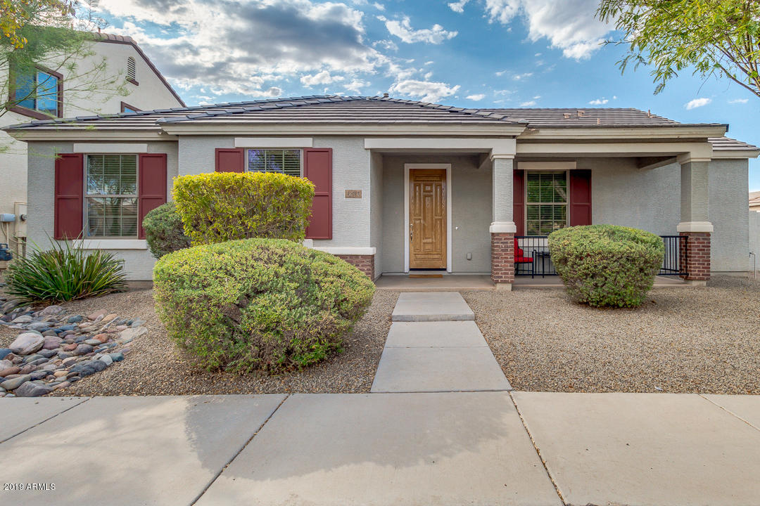 Photo of 1834 S ROCHESTER Drive, Gilbert, AZ 85295