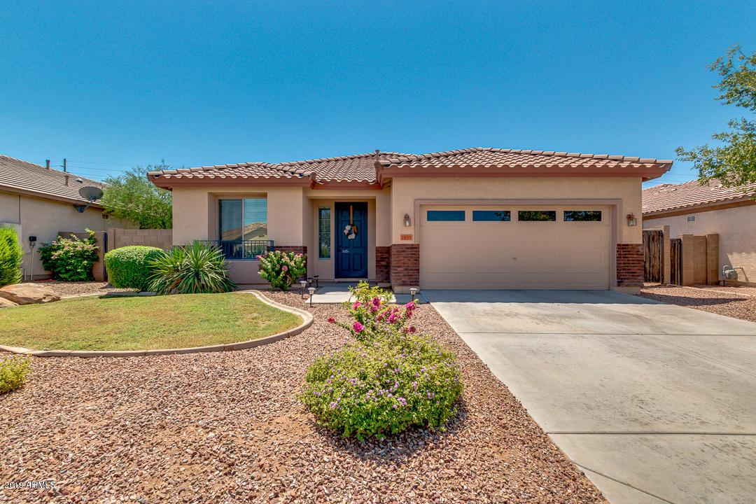 Photo of 2955 E RAVENSWOOD Drive, Gilbert, AZ 85298