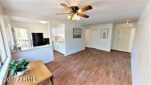2555 W ROSE Lane, A207, Phoenix, AZ 85017