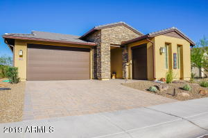 Gorgeous home with 2 car garage and fully enclosed GOLF CART BARN!!!