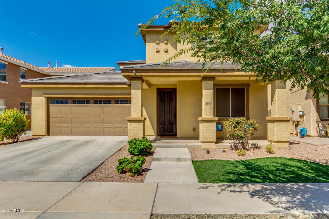 Photo of 2052 S MOCCASIN Trail, Gilbert, AZ 85295
