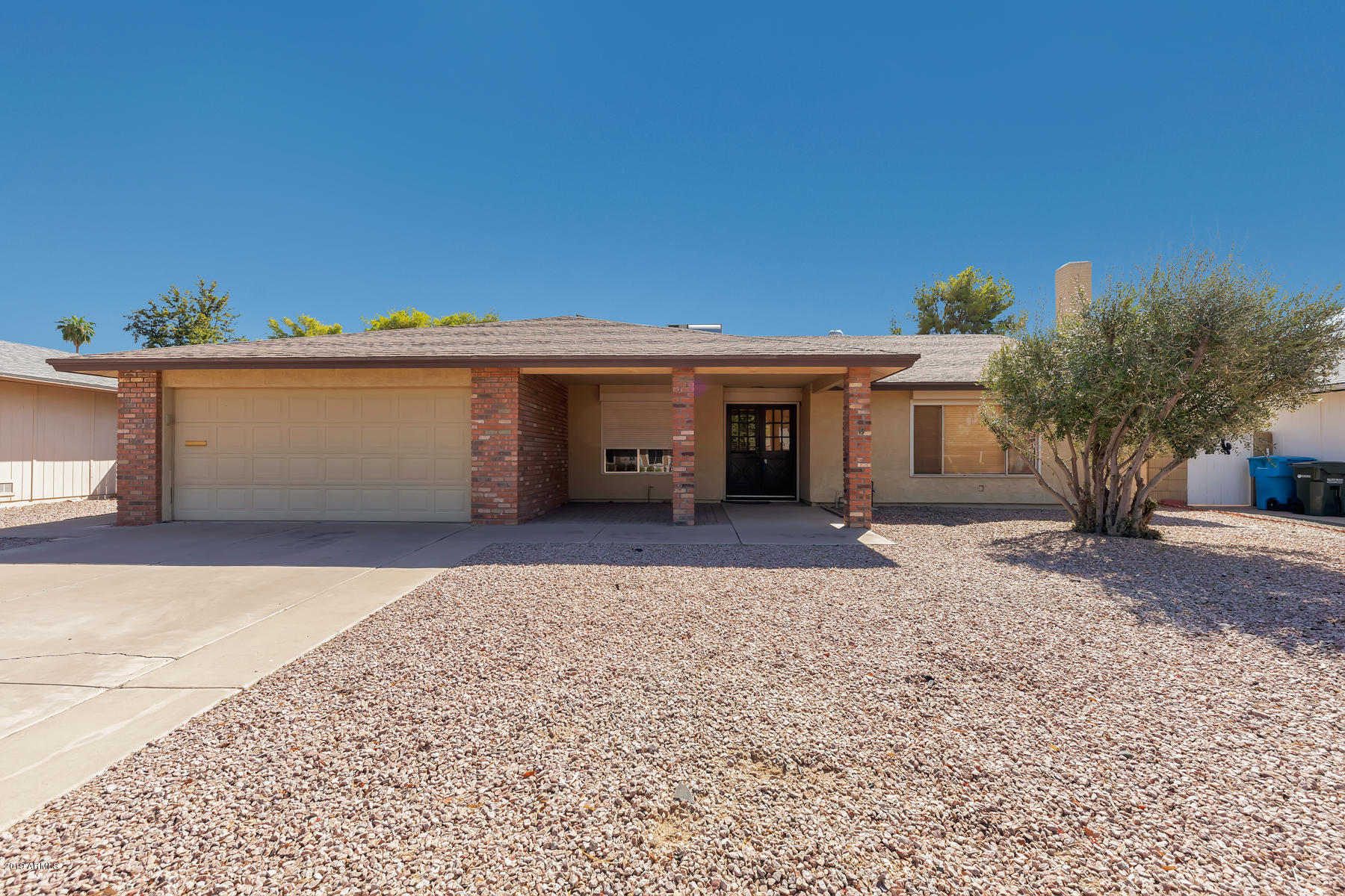 Photo of 11607 S HALF MOON Drive, Phoenix, AZ 85044