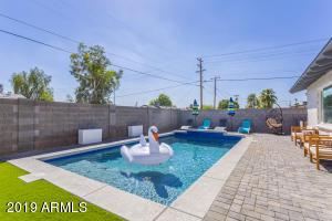 8201 E PICCADILLY Road, Scottsdale, AZ 85251
