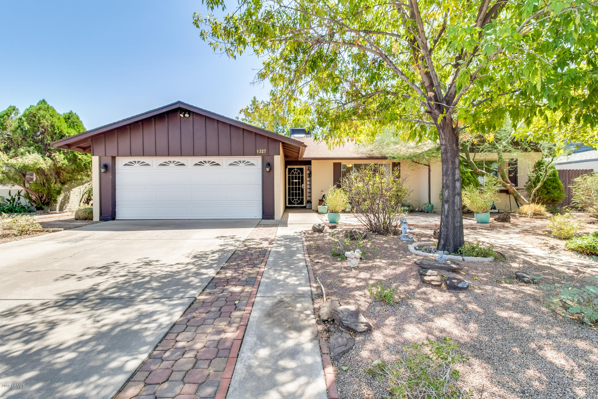 Photo of 1327 E BELL DE MAR Drive, Tempe, AZ 85283