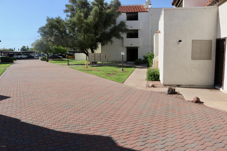 Photo of 4730 W NORTHERN Avenue #2137, Glendale, AZ 85301