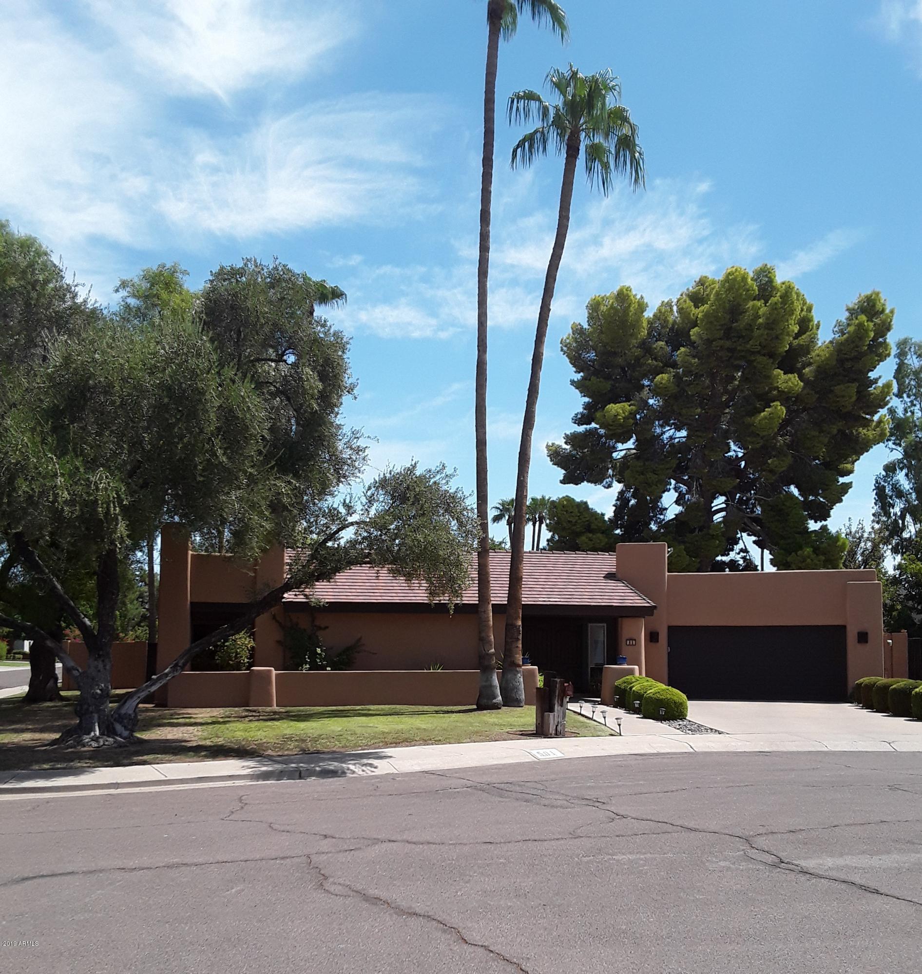 Photo of 501 W LAS PALMARITAS Drive W, Phoenix, AZ 85021