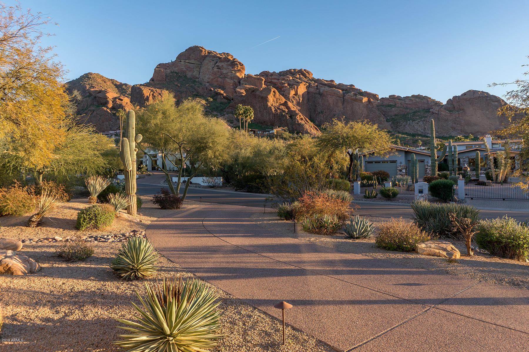 Photo of 4812 E ROVEY Avenue, Paradise Valley, AZ 85253