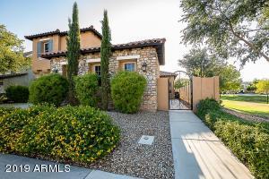 3196 S COTTONWOOD Drive, Chandler, AZ 85286
