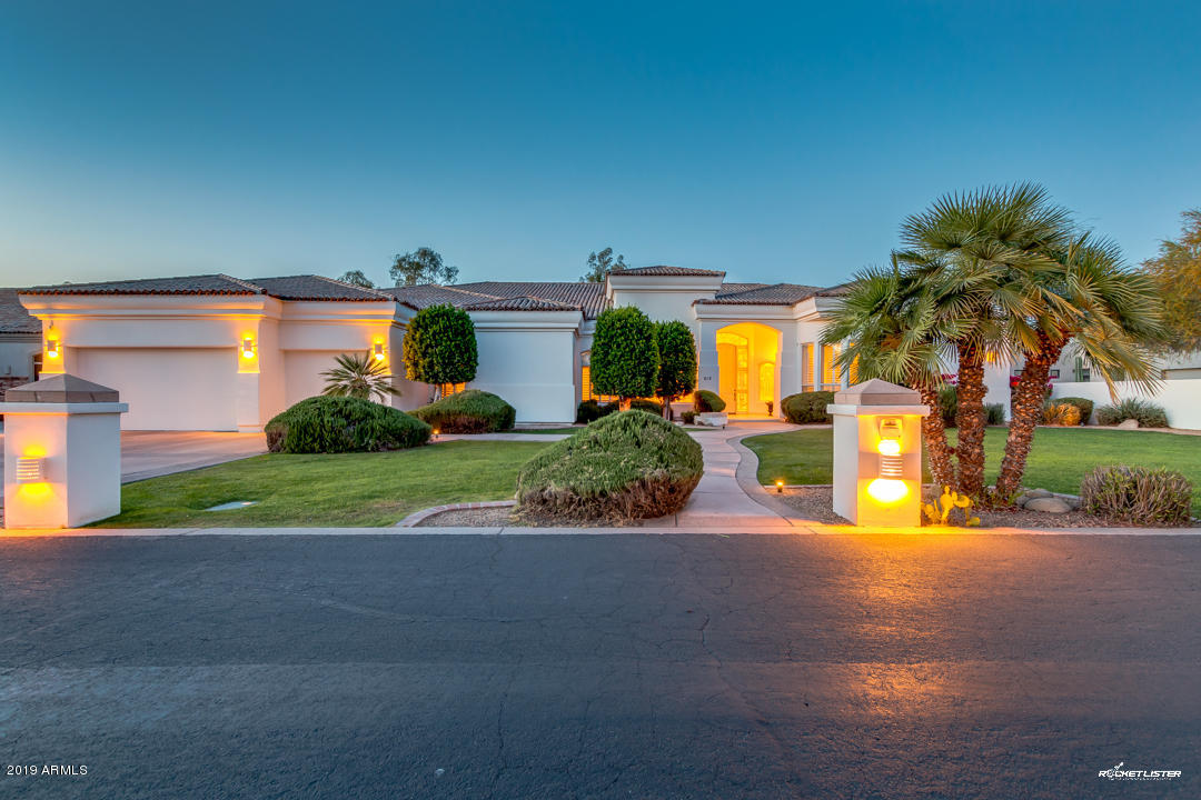 Photo of 612 W SAN MARCOS Drive, Chandler, AZ 85225