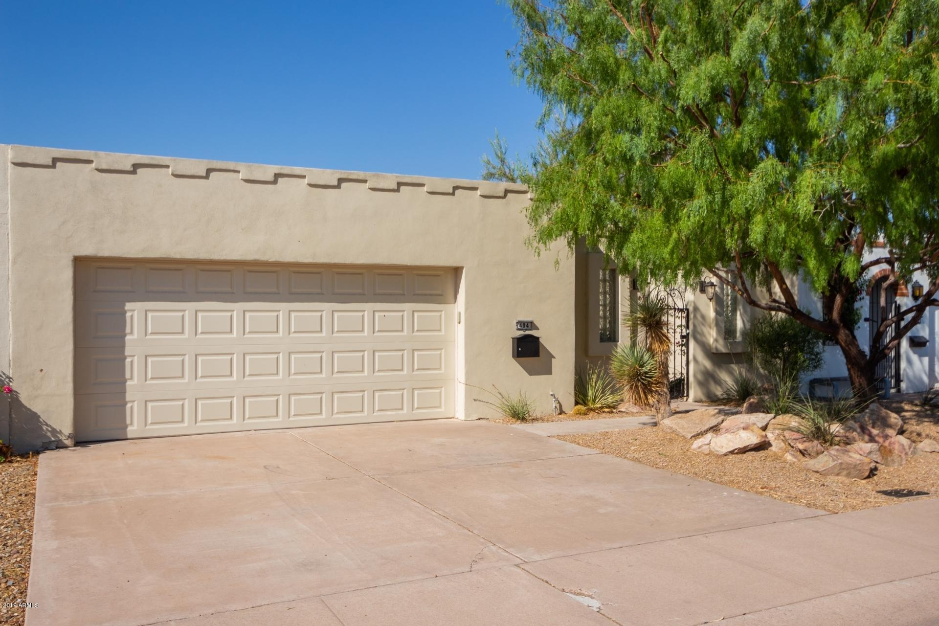 Photo of 404 W LAGUNA Drive, Tempe, AZ 85282