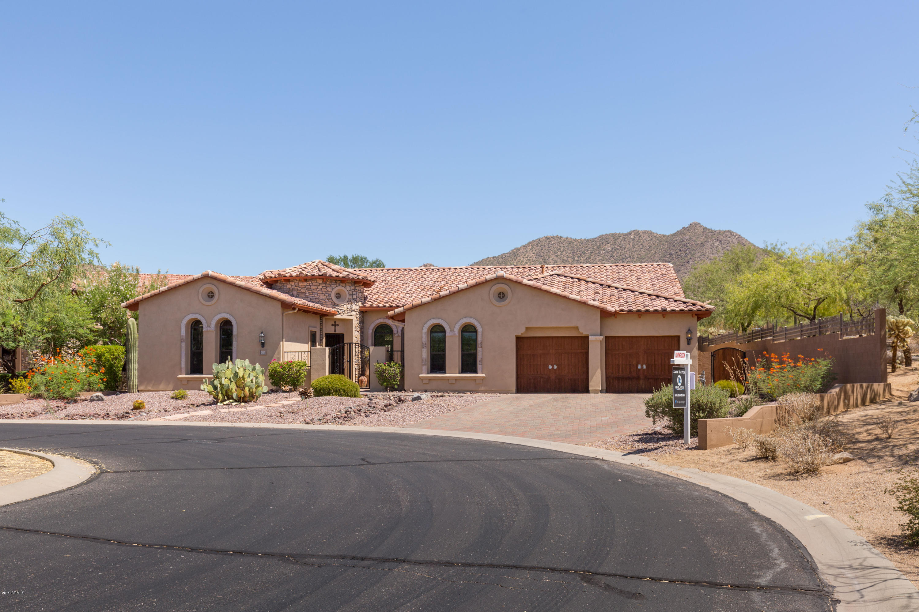 Photo of 4031 N EL SERENO Circle, Mesa, AZ 85207