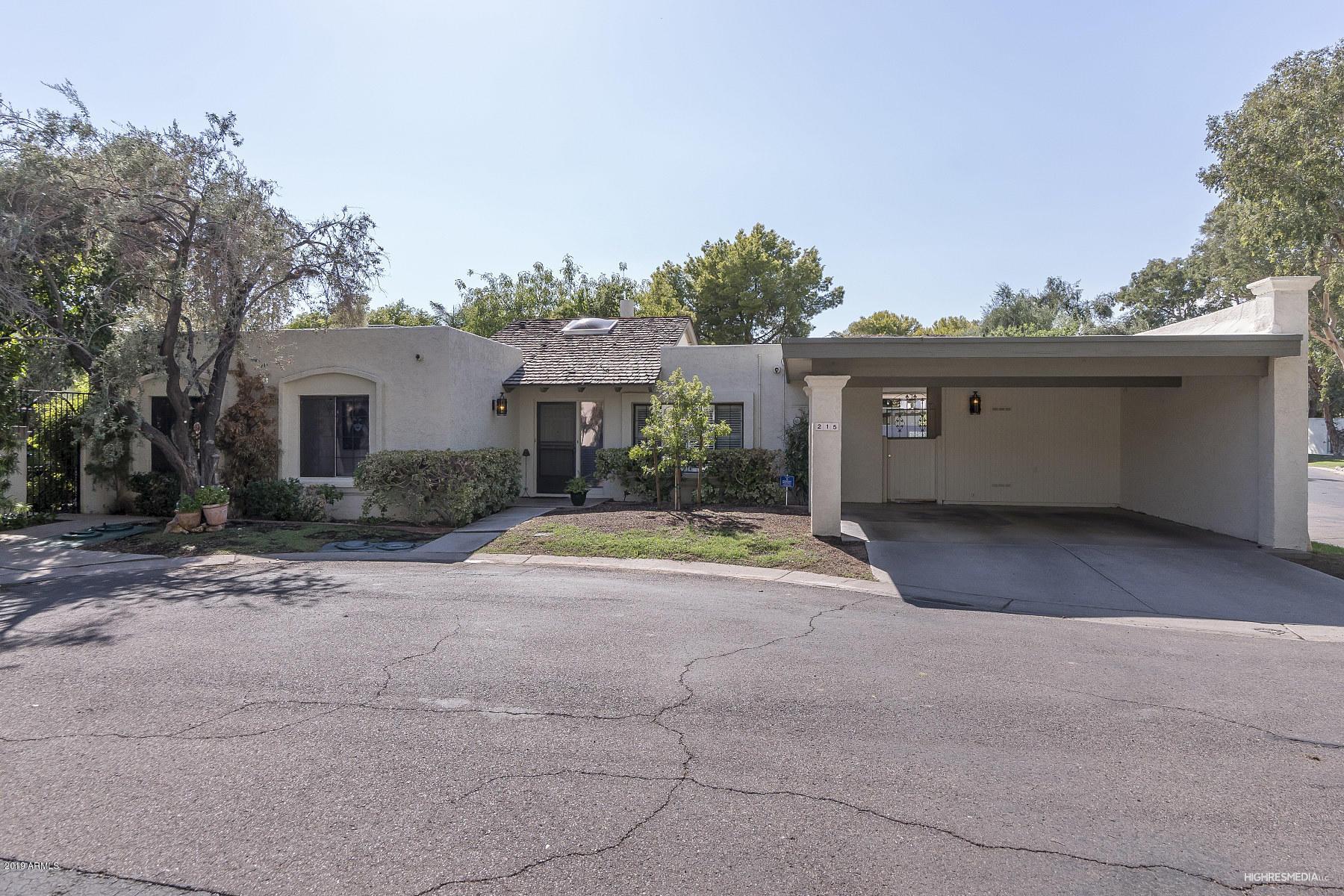 Photo of 215 E ECHO Lane, Phoenix, AZ 85020