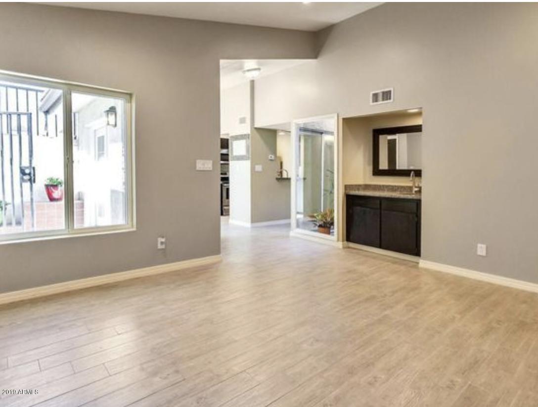 Photo of 4912 E EDGEMONT Avenue, Phoenix, AZ 85008