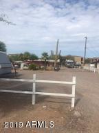 592 S GRAND Drive, Apache Junction, AZ 85120