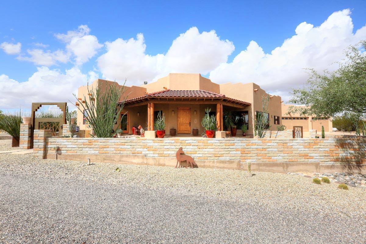 Photo of 35650 S GOLD ROCK Circle, Wickenburg, AZ 85390