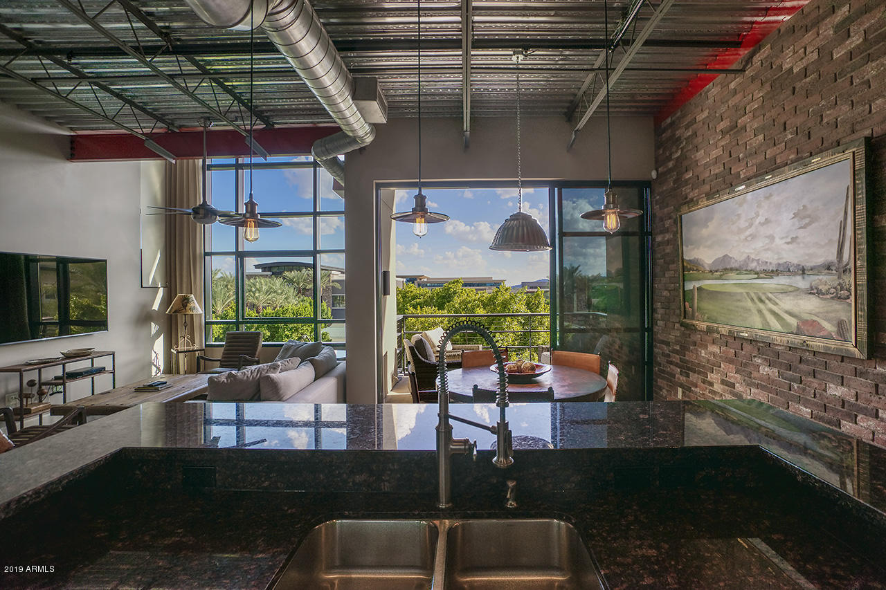 Photo of 15215 N Kierland Boulevard #305, Scottsdale, AZ 85254