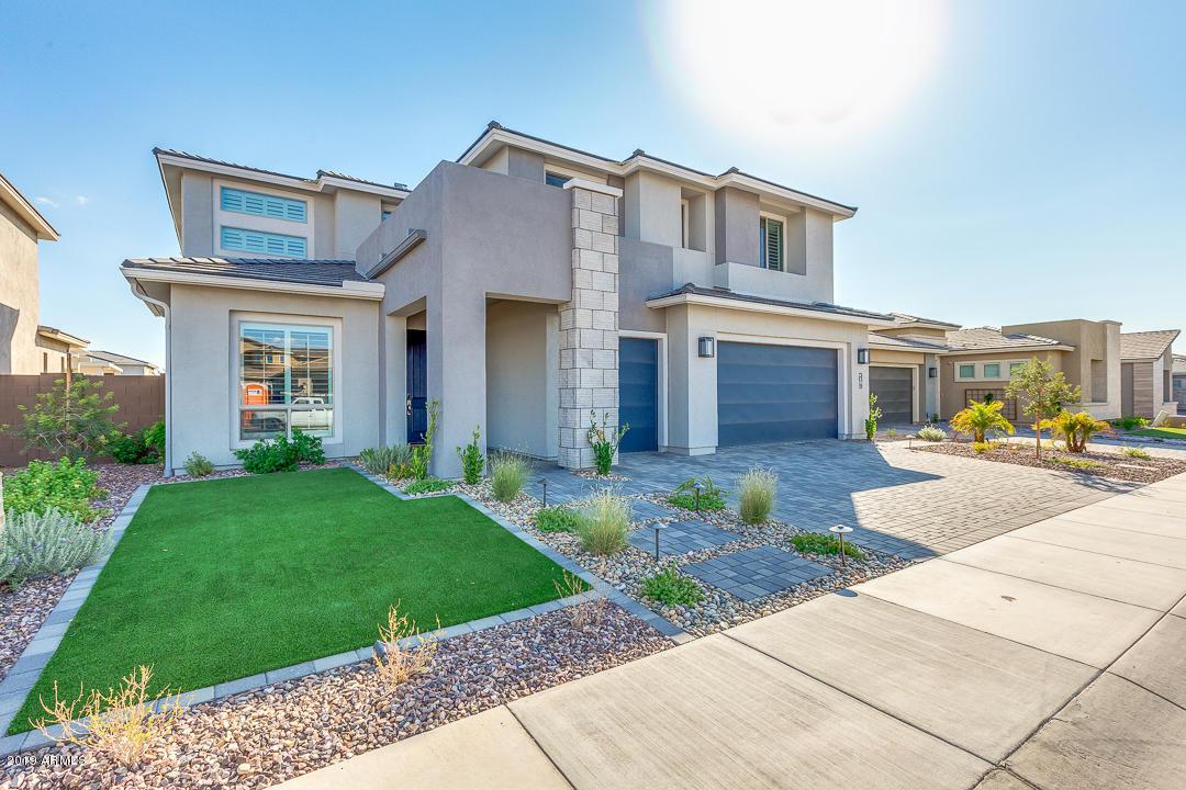Photo of 3019 E LOS GATOS Drive, Phoenix, AZ 85050