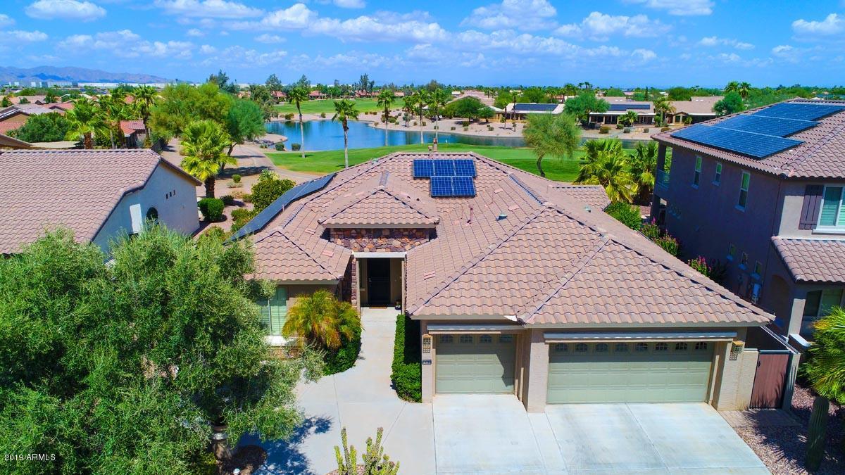 Photo of 16266 W CHEERY LYNN Road, Goodyear, AZ 85395