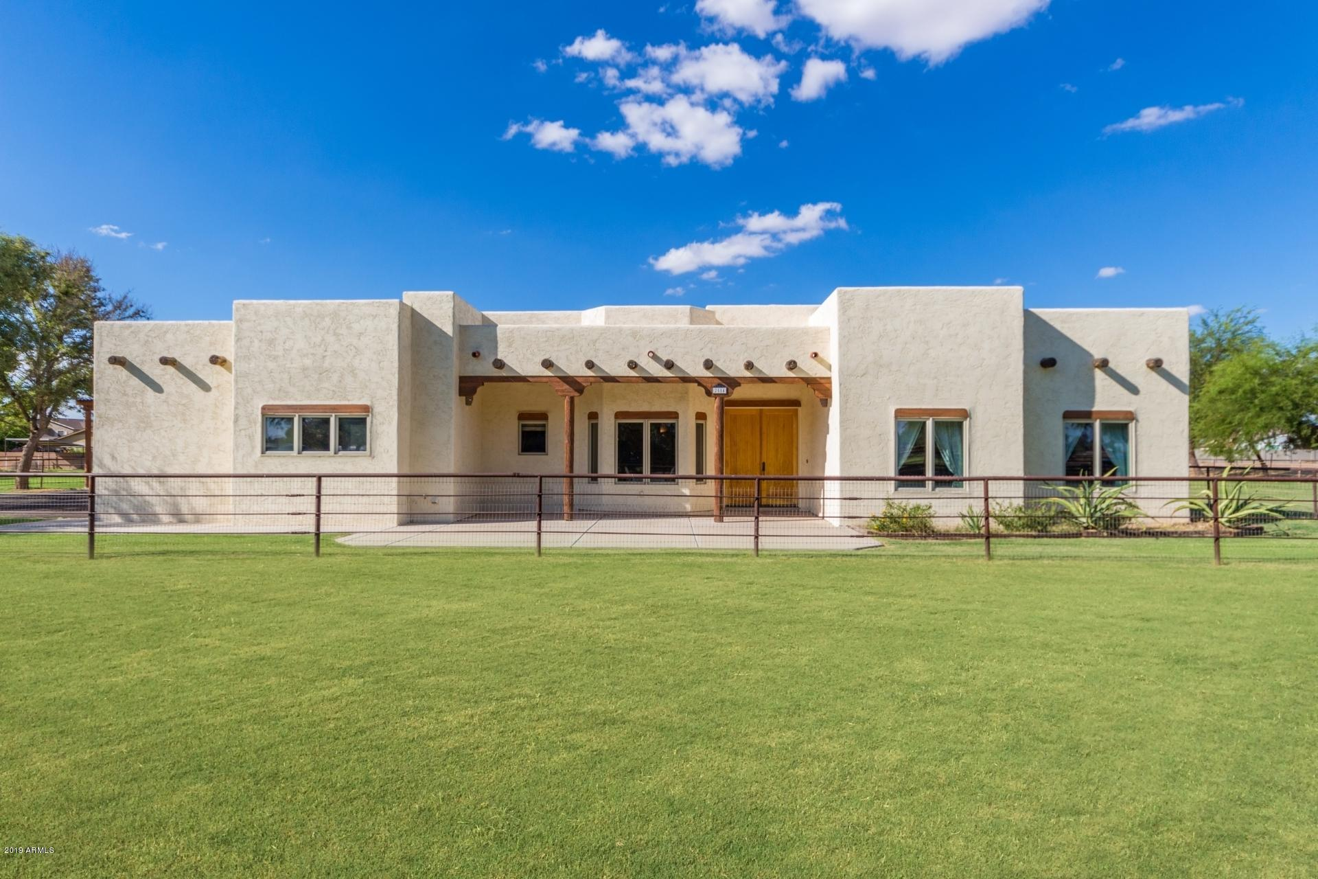 Photo of 2584 E DRYHEAD Road, San Tan Valley, AZ 85140