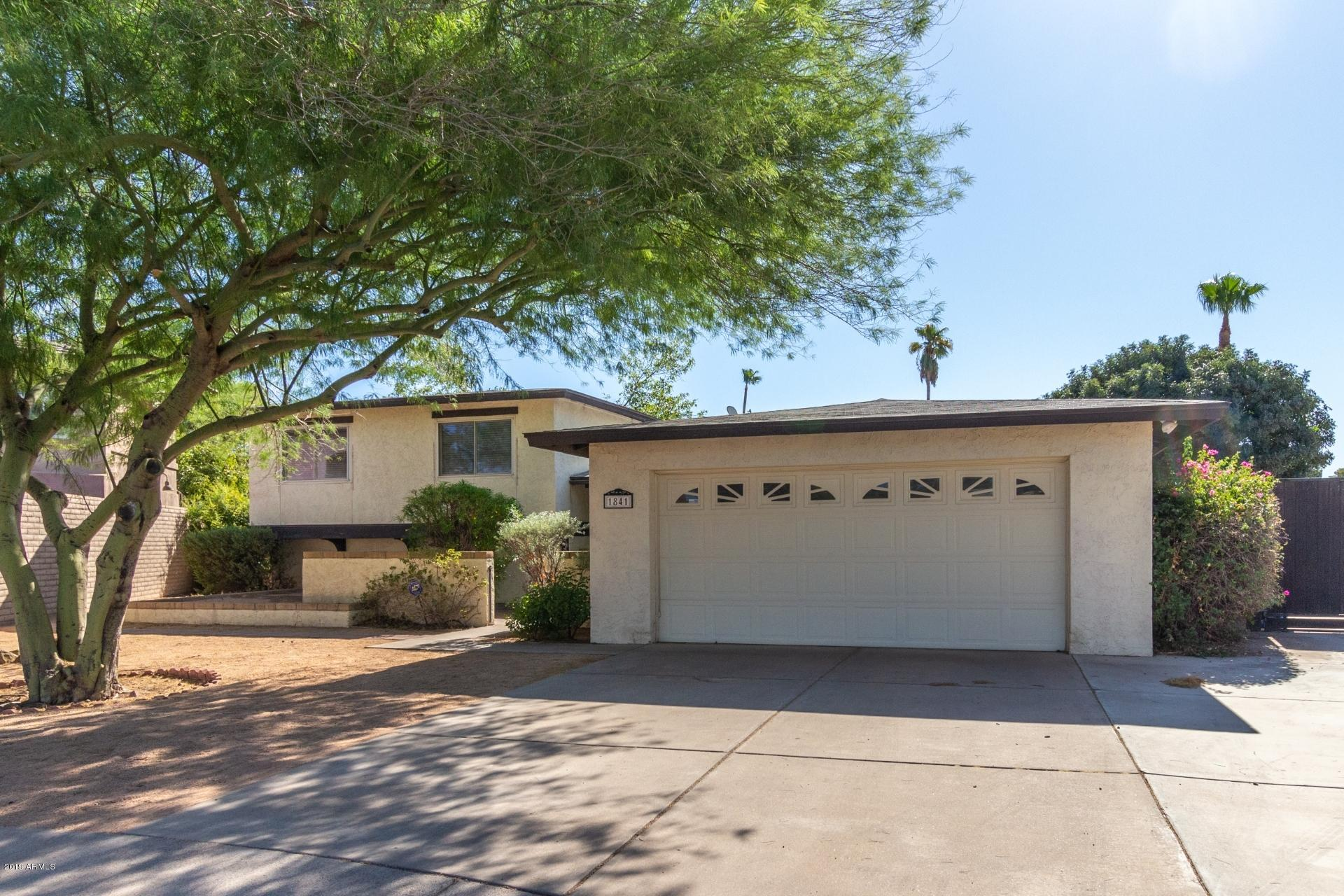 Photo of 1841 S LAS PALMAS Circle, Mesa, AZ 85202