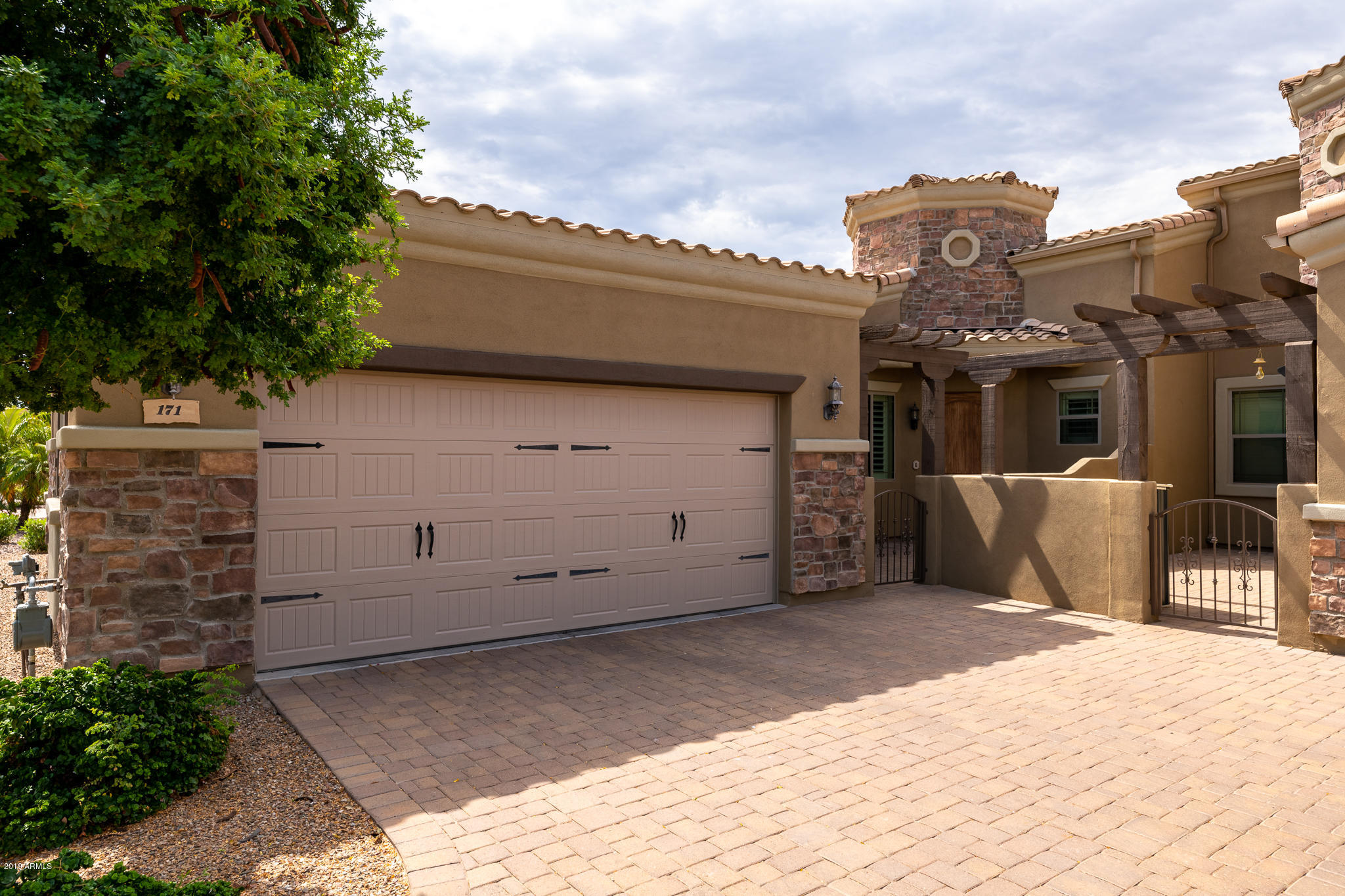 Photo of 6202 E MCKELLIPS Road #171, Mesa, AZ 85215