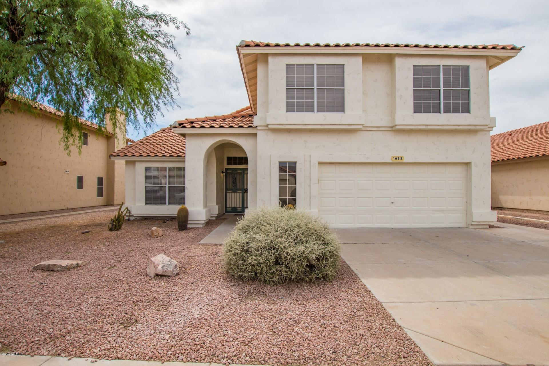 Photo of 1635 E WINDSONG Drive, Phoenix, AZ 85048