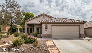 beautiful curb appeal with views of South Mountain preserve