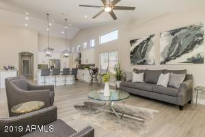 MASSIVE OPEN FLOOR PLAN! THIS FAMILY ROOM OPENS TO THE KITCHEN AND ALSO TO THE FORMAL LIV/DINING ROOM! AND SPLIT BEDROOMS! GREAT ROOM CONCEPT WITH FORMAL LIV/DINING ROOM, FAMILY ROOM TOO-OPEN!