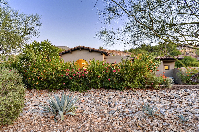 Photo of 4405 E LAKESIDE Lane, Paradise Valley, AZ 85253