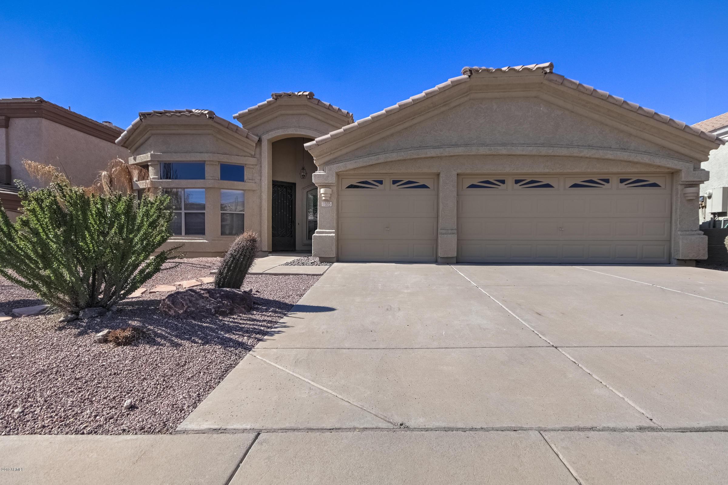 Photo of 1335 E REDWOOD Lane, Phoenix, AZ 85048