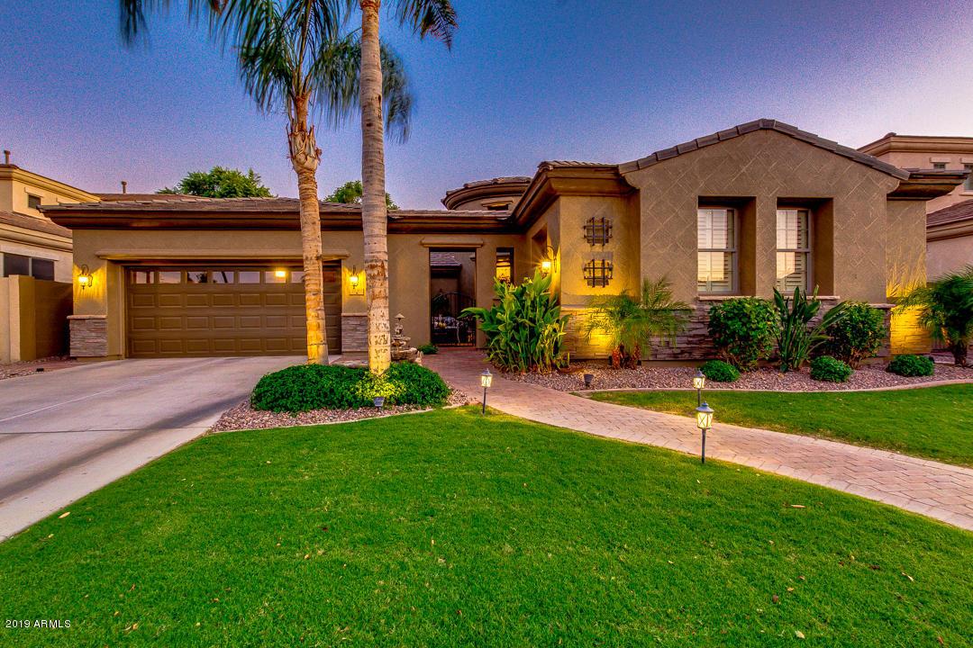 Photo of 3249 E GOLDFINCH Way, Chandler, AZ 85286