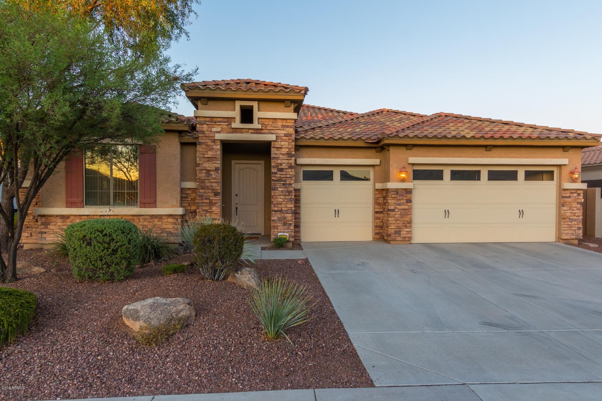 Photo of 2404 E ROBB Lane, Phoenix, AZ 85024