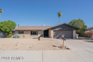 5226 W REDFIELD Road, Glendale, AZ 85306