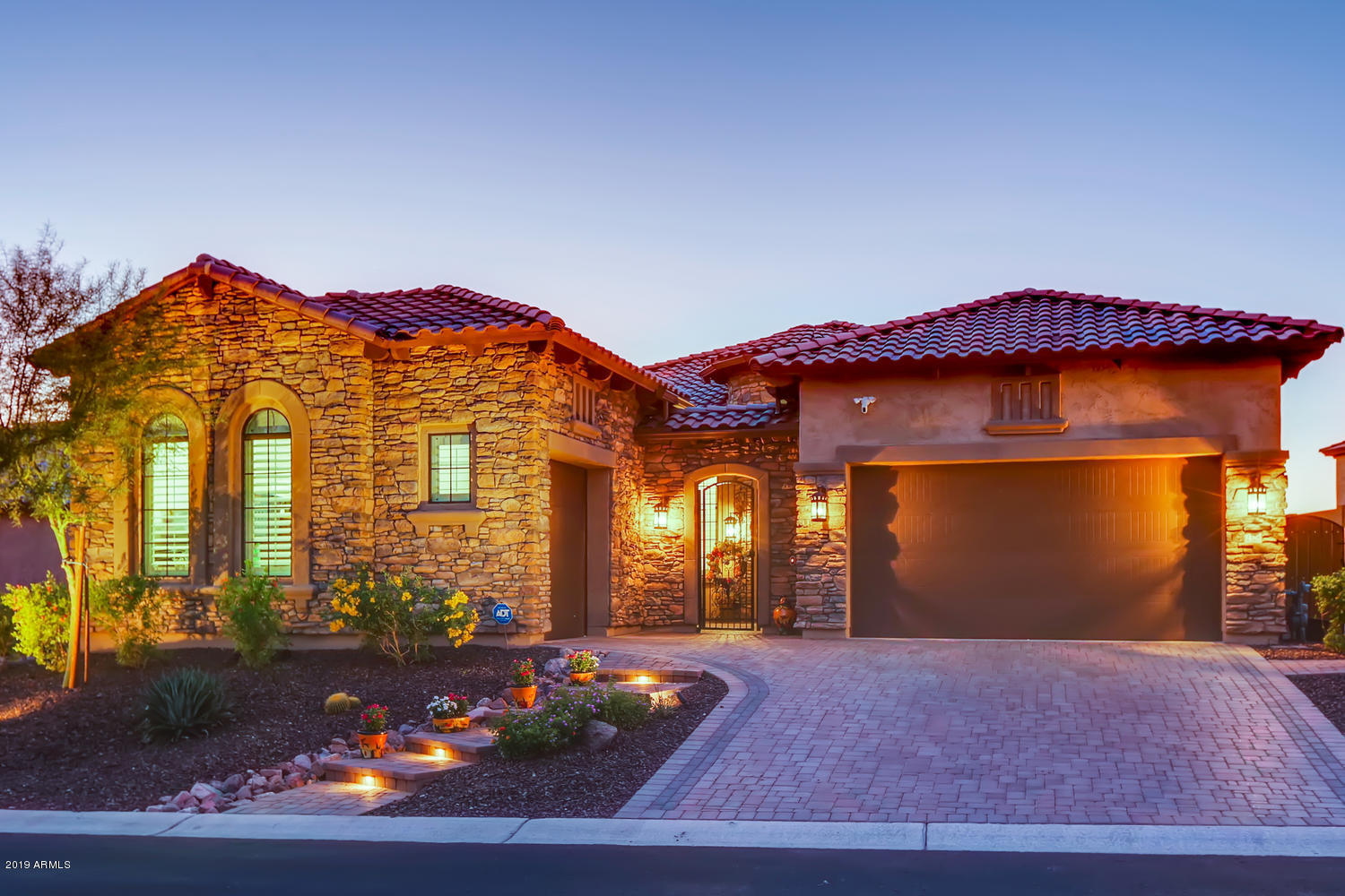 Photo of 2328 N ESTATES Circle, Mesa, AZ 85207