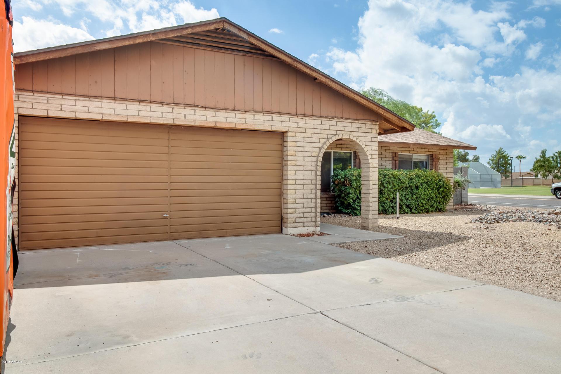 Photo of 5625 W GROVERS Avenue, Glendale, AZ 85308