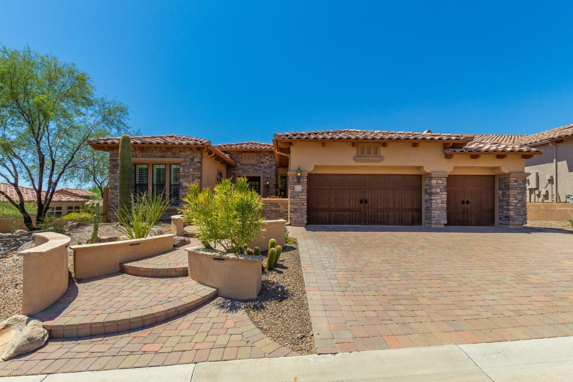 Photo of 4004 N HIGHVIEW Circle, Mesa, AZ 85207