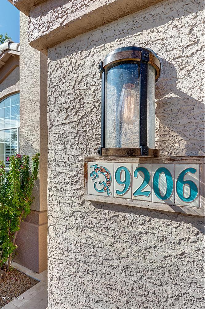 9206 E Wood Drive