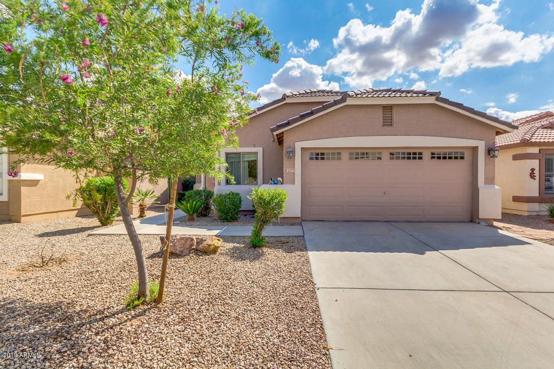 Photo of 2577 E DENIM Trail, San Tan Valley, AZ 85143