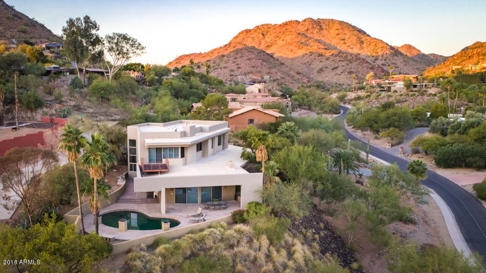 Photo of 4217 E LAKESIDE Lane, Paradise Valley, AZ 85253
