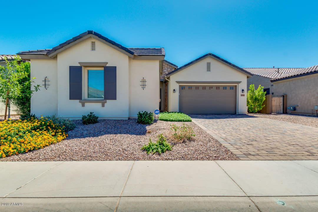 Photo of 921 E TONTO Place, Chandler, AZ 85249
