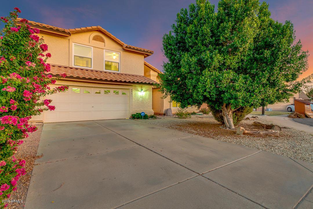Photo of 841 N SAINT ELENA Street, Gilbert, AZ 85234